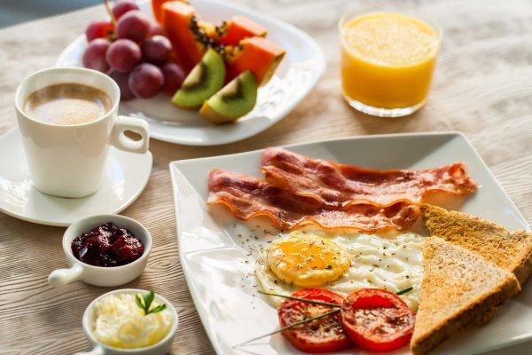 Ранний завтрак признали снижающим риск развития диабета