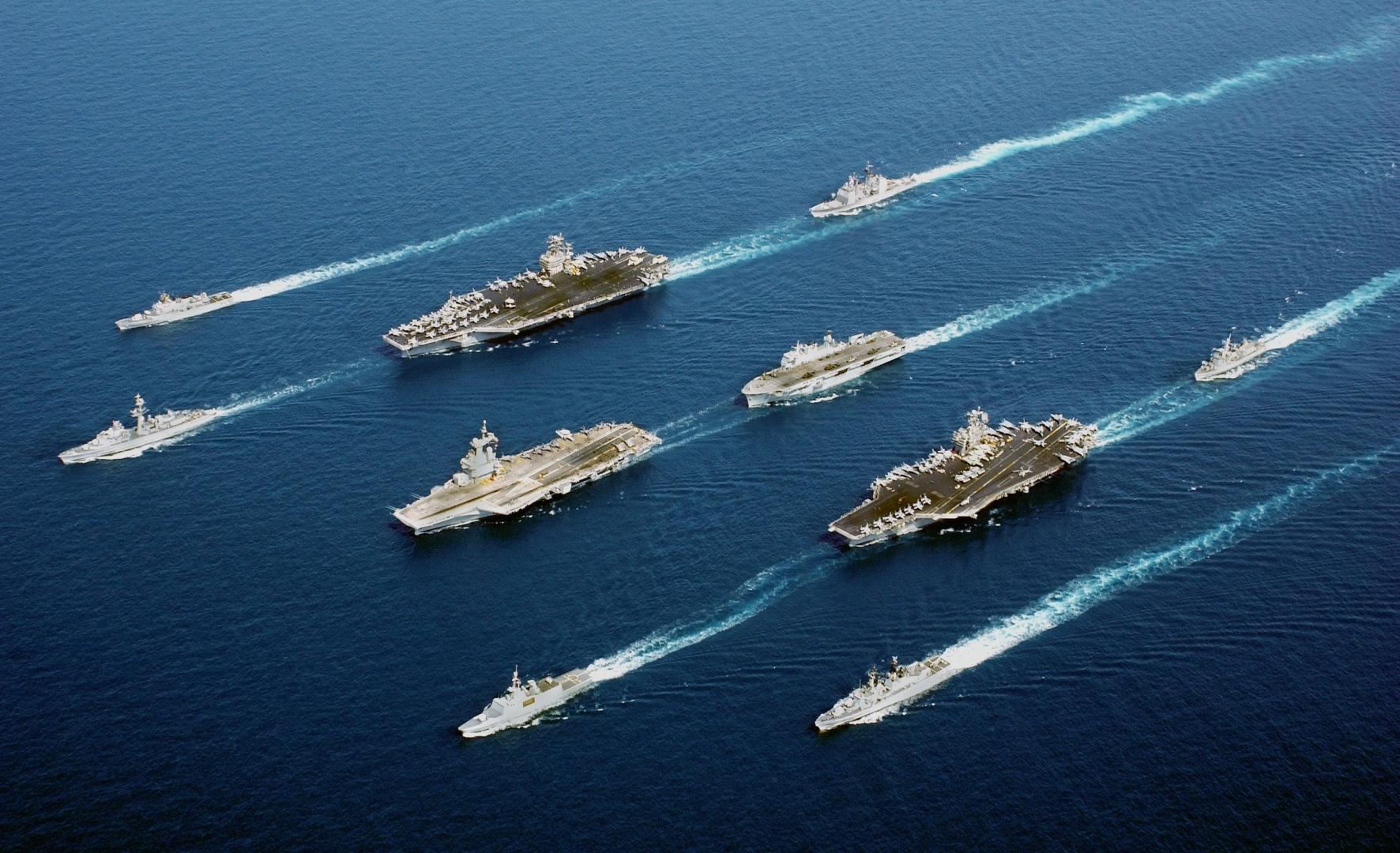 В США предложили оснащать авианосцы лазерным оружием для противодействия Китаю