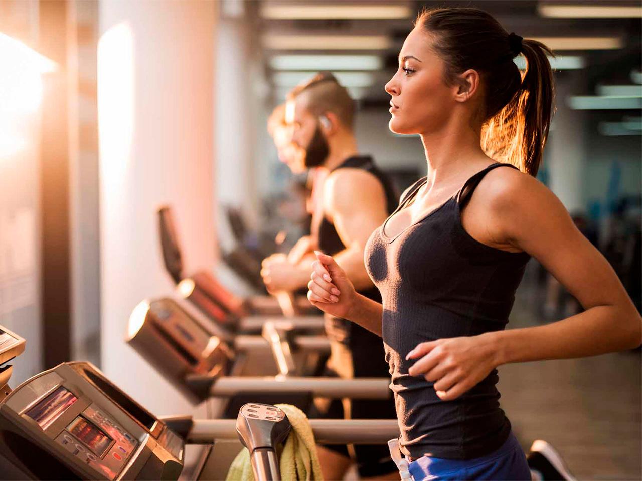 Врач рассказала, какие упражнения наиболее эффективны для похудения
