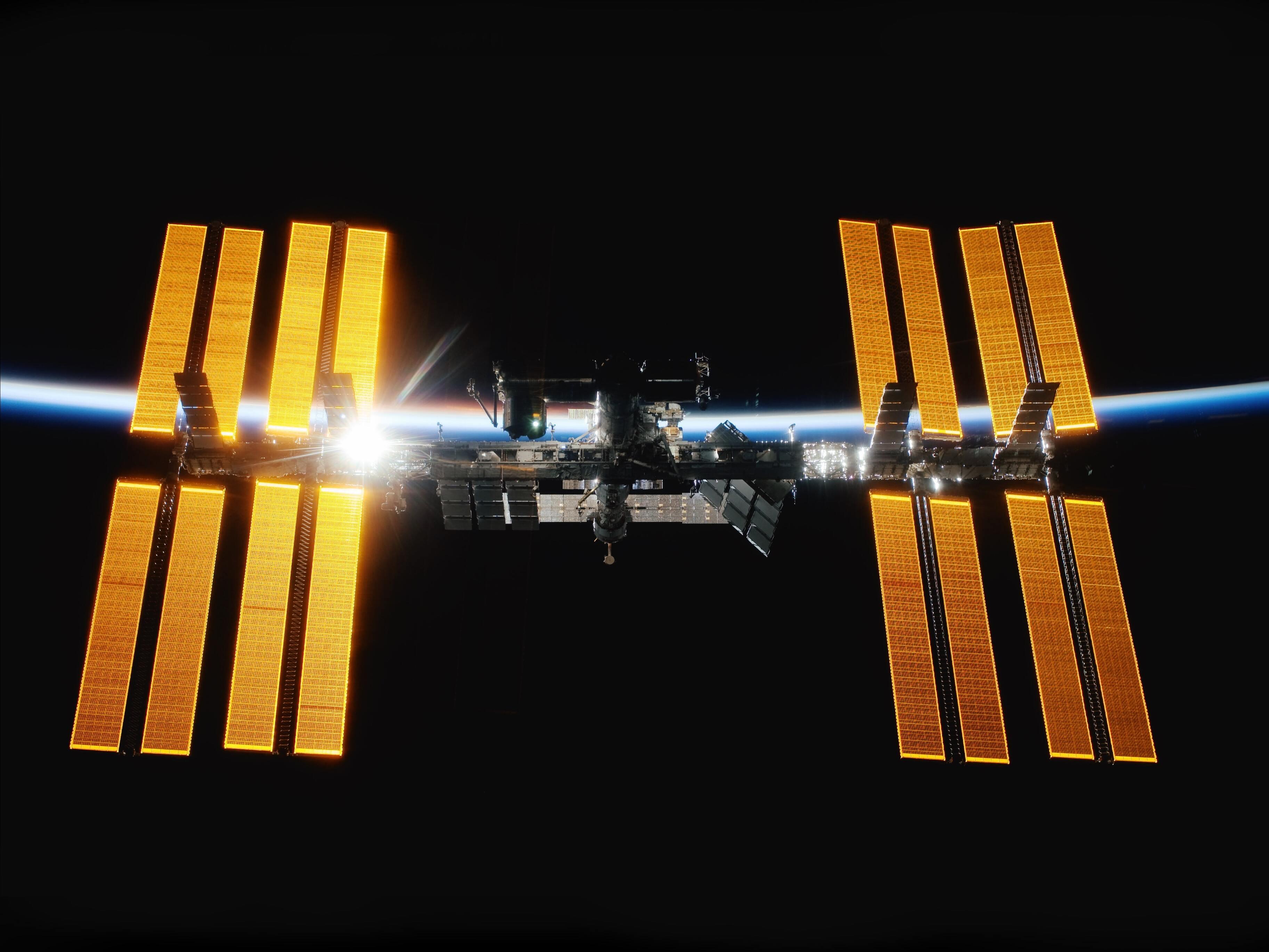 Россия решила перестать работать на МКС к 2025 году