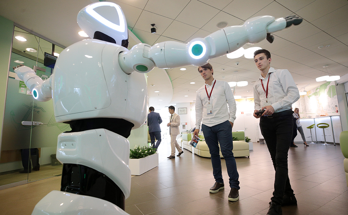 Цифра дня: Сколько россиян не боятся конкуренции с роботами на работе