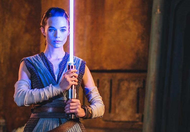 Disney впервые представила настоящий световой меч из Звездных войн