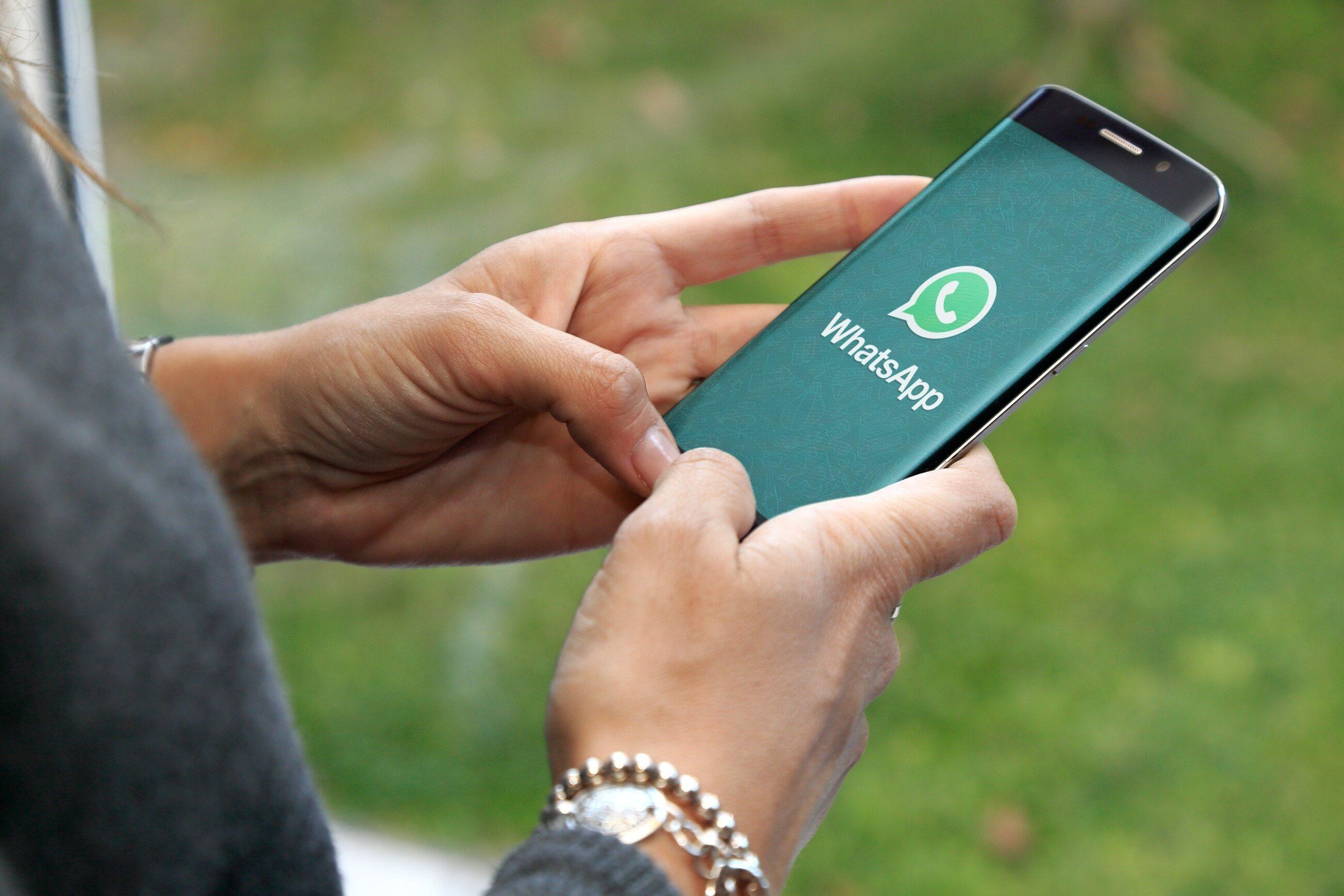 WhatsApp передумал отключать непринявших новые правила конфиденциальности пользователей