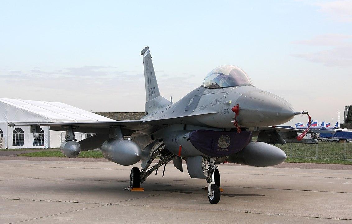 В США началась нехватка истребителей для имитации российских самолётов