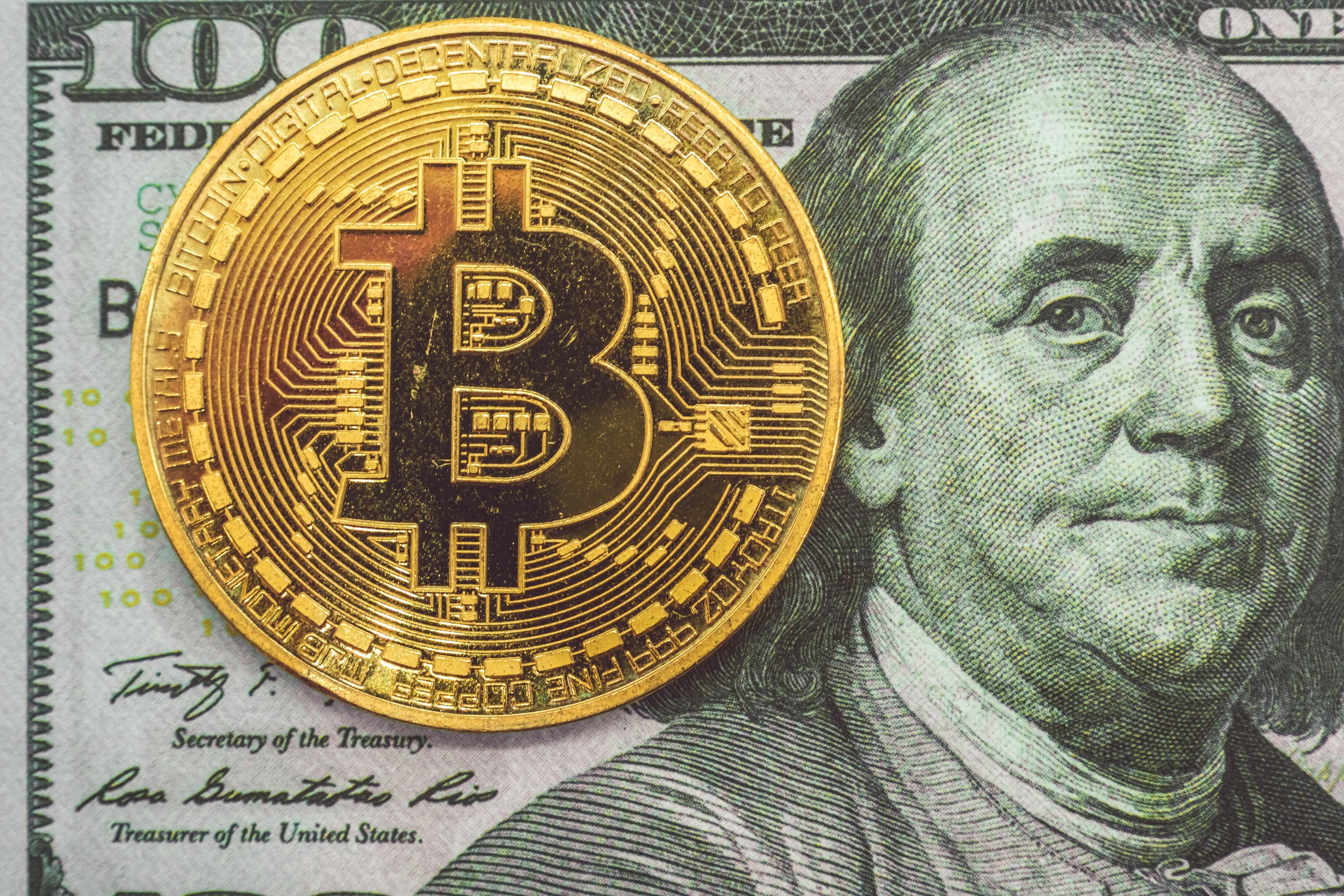 Эксперт объяснил, почему меняется цена криптовалют