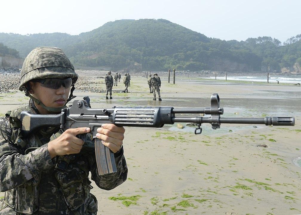 Эксперты оценили корейский гибрид AK-47 и М-16
