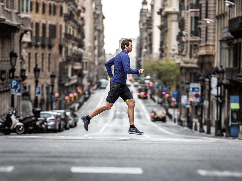 Врач рассказал о вреде для здоровья от пробежек в больших городах