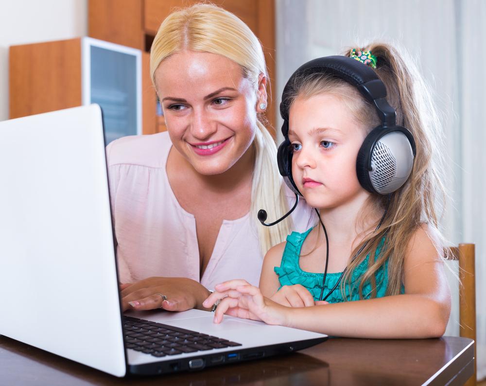 Цифра дня: Сколько россиян следят за своими детьми в интернете
