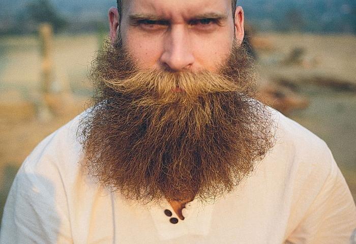 Врач сообщил, о какой болезни может говорить повышенная волосатость