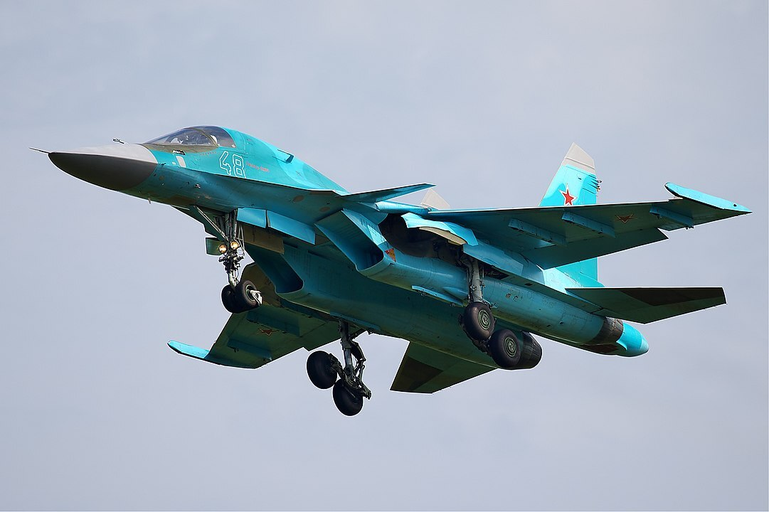 На видео показали стрельбы истребителей Су-34