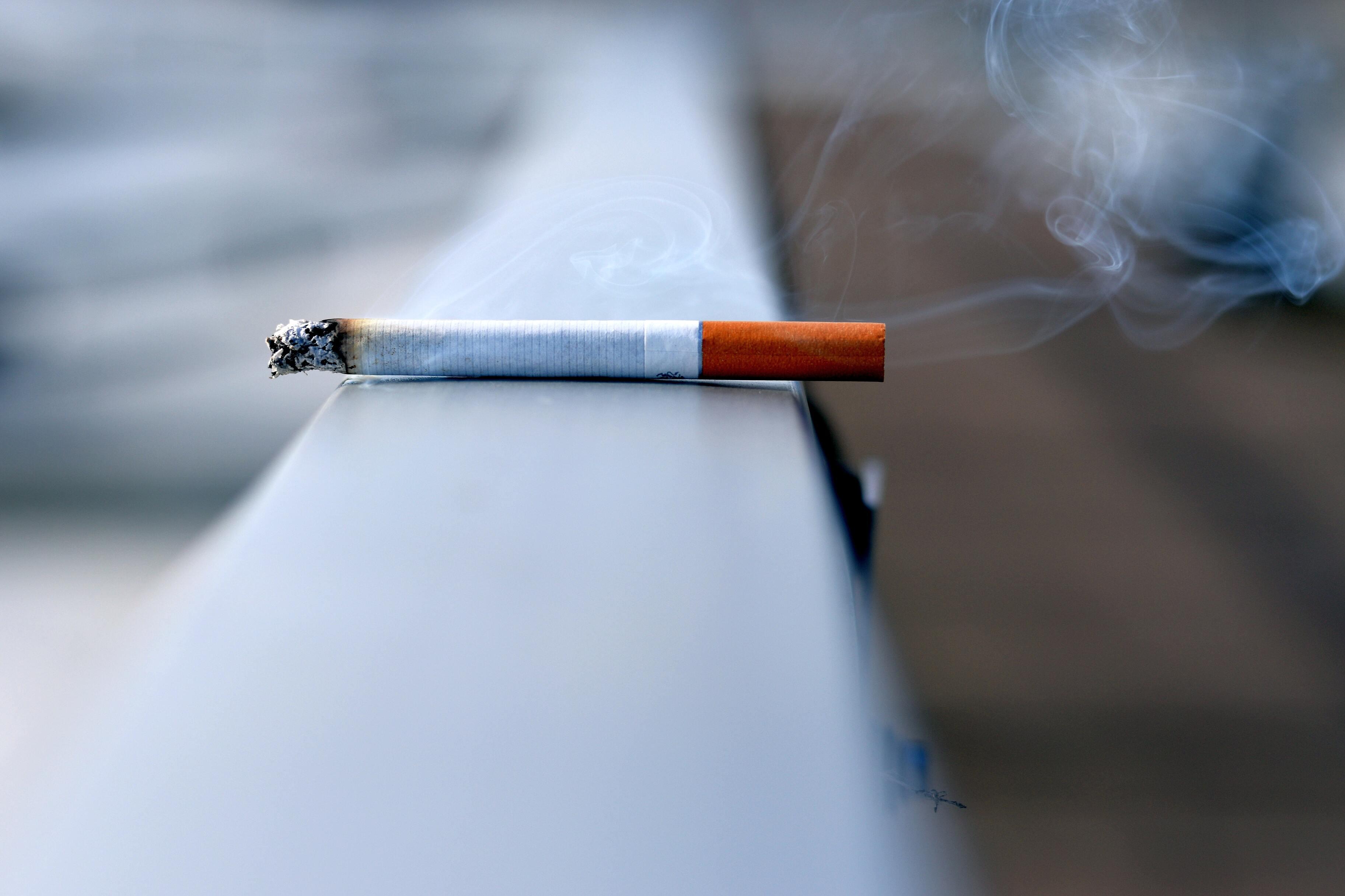 Люди теряют из-за курения 200 млн лет жизни в год