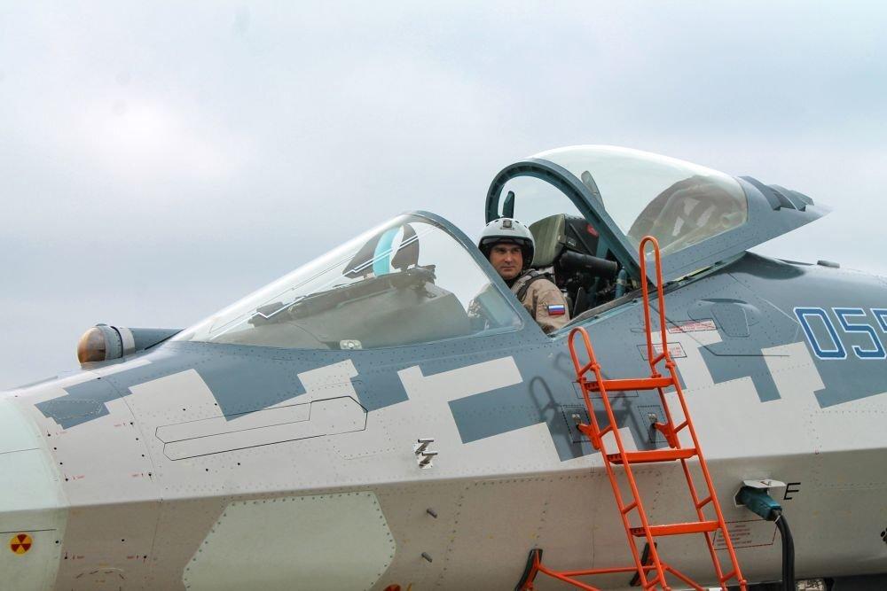 В России создадут спецверсию истребителя Су-57 для зарубежных покупателей