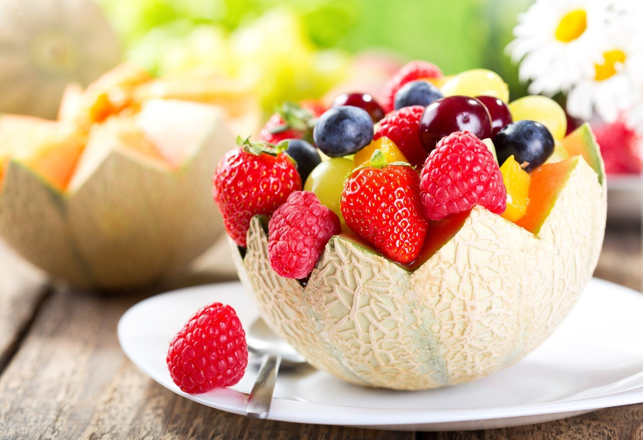 Врач назвала самые полезные фрукты для употребления в жару