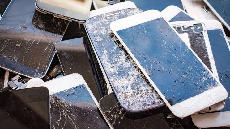 Для смартфонов создали защитное стекло, которое само затягивает трещины