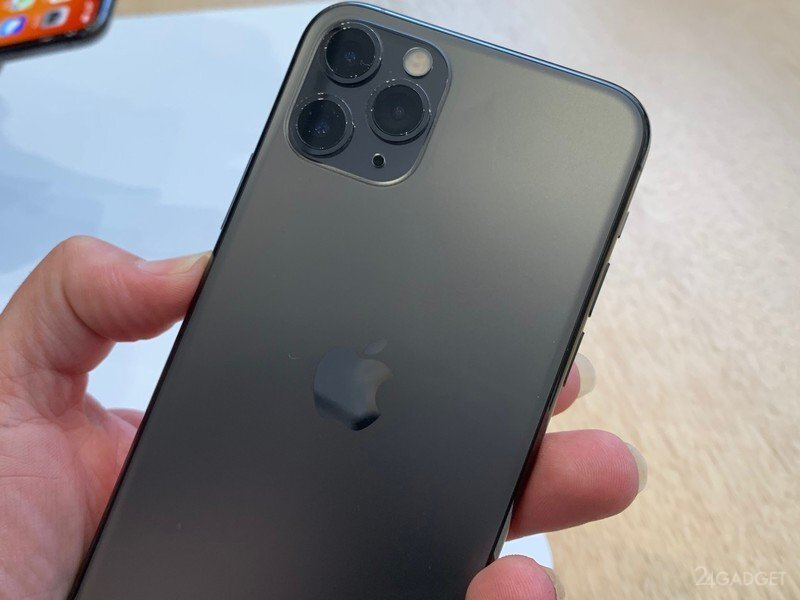 iPhone с установленной прошивкой Xiaomi MIUI попал на видео