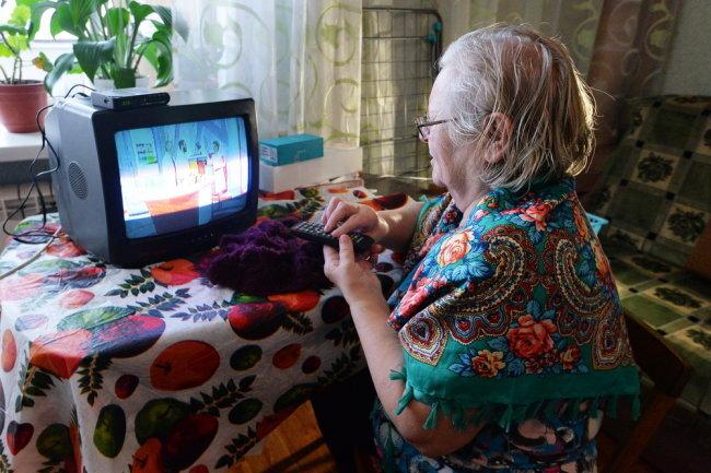 Учёные нашли связь между просмотром телевизора и старческим слабоумием
