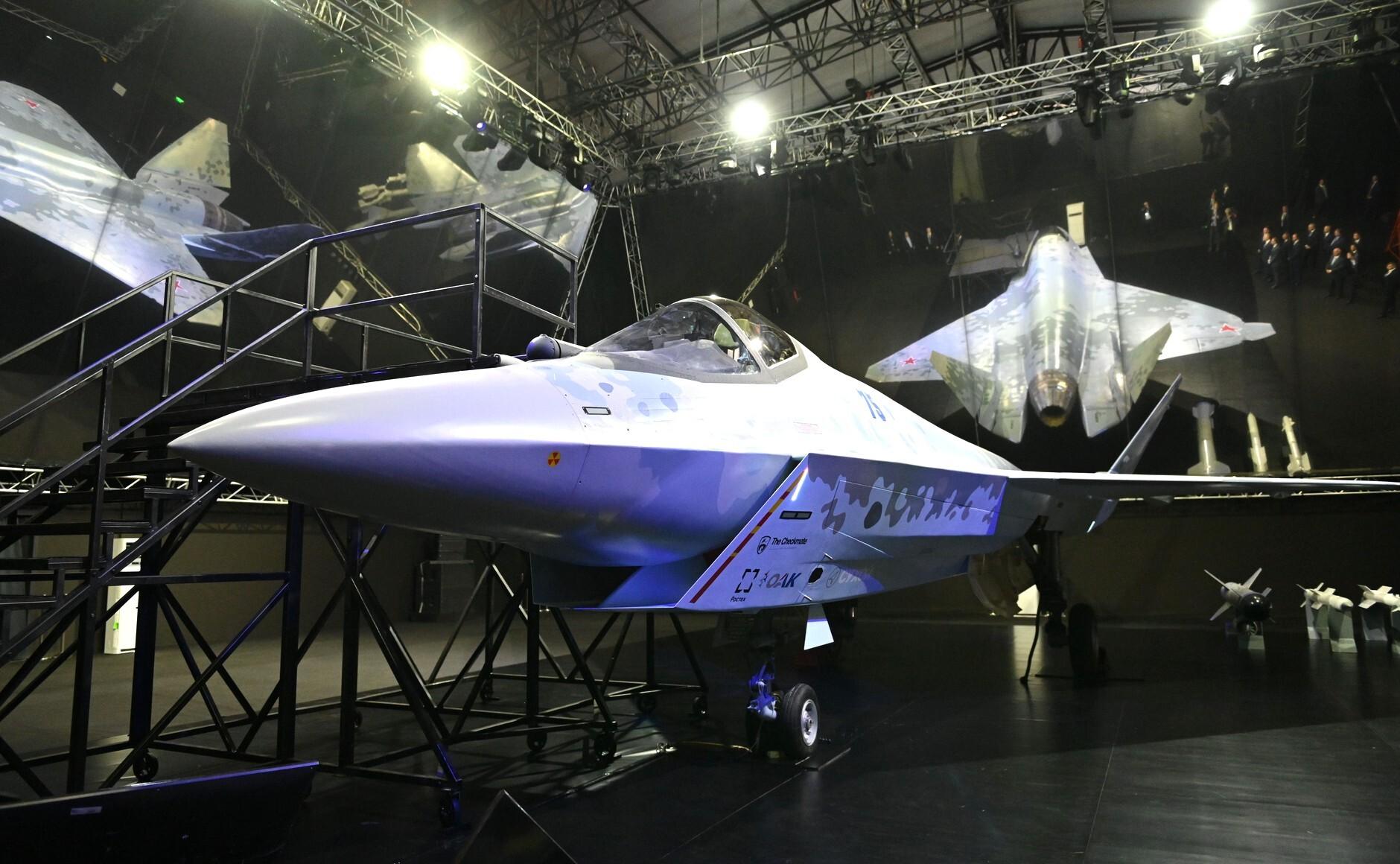 Эксперты рассказали, кто победит в схватке истребителей Су-75 и F-35