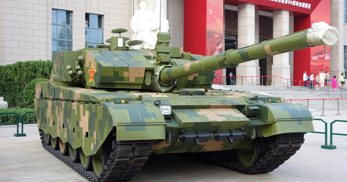 На видео показали стрельбу управляемыми ракетами из китайских танков