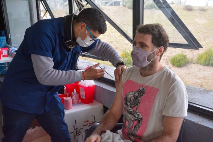 Российскую вакцину Спутник V испытают на добровольцах в Южной Америке