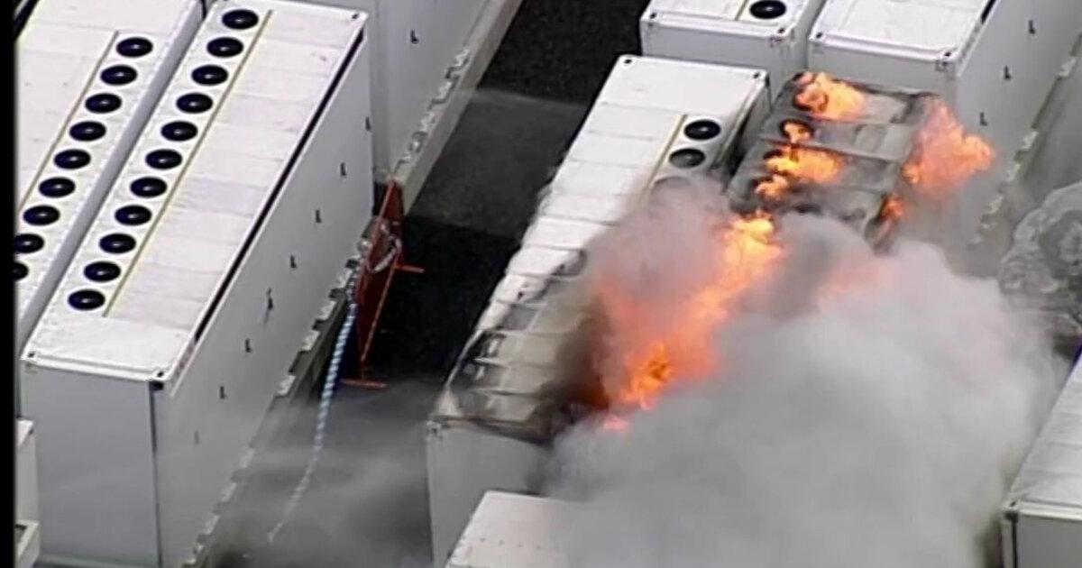 На электростанции Tesla в Австралии вспыхнул пожар