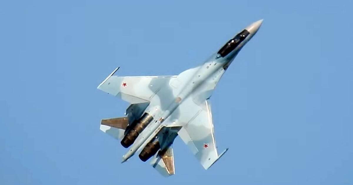 Российский истребитель Су-35С упал в Охотское море из-за поломки двигателя