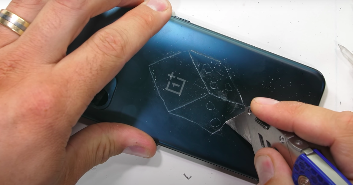 Новый недорогой OnePlus оказался не очень прочным смартфоном