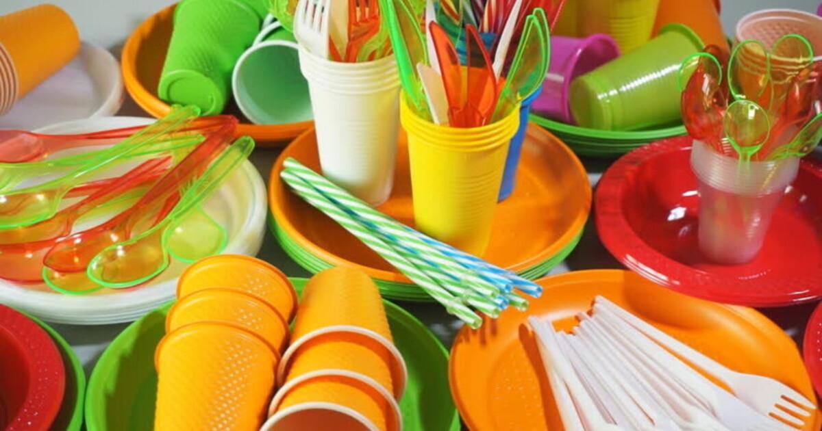 Одноразовую посуду и упаковки для яиц назвали токсичными и вредными