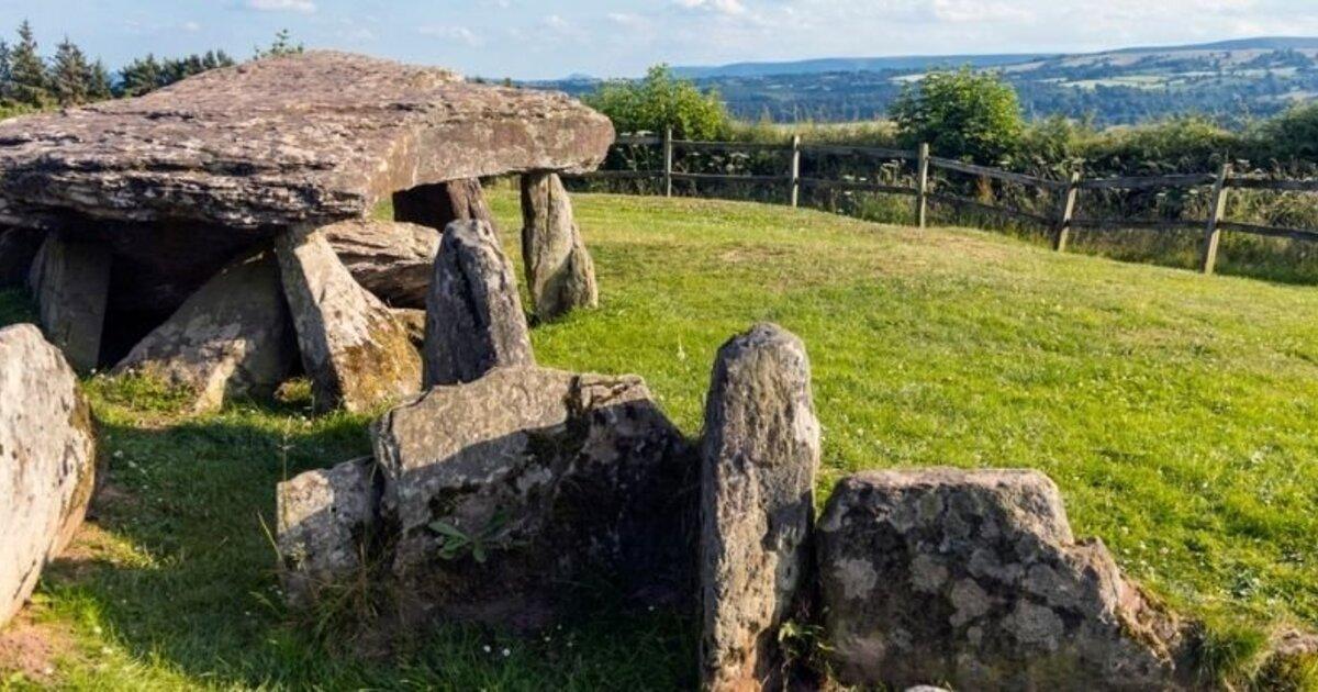 После раскопок археологи развенчали мифы о легендарном камне короля Артура