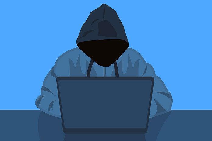Киберпреступник похитил более 40 млрд рублей и вернул их