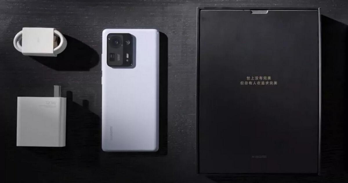 Xiaomi перестала копировать Apple и вернула зарядное устройство в комплект со смартфоном