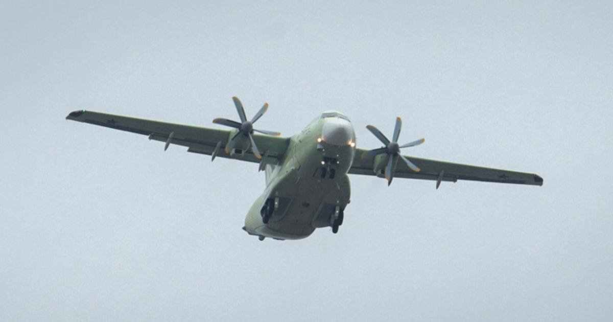 На видео попало падение новейшего российского военного самолёта Ил-112В