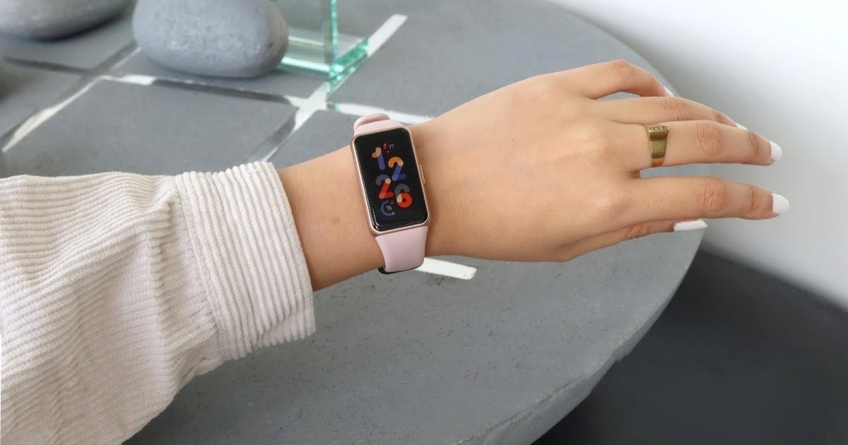 Стартовали продажи фитнес-браслета Huawei Band 6 Pro со встроенным градусником