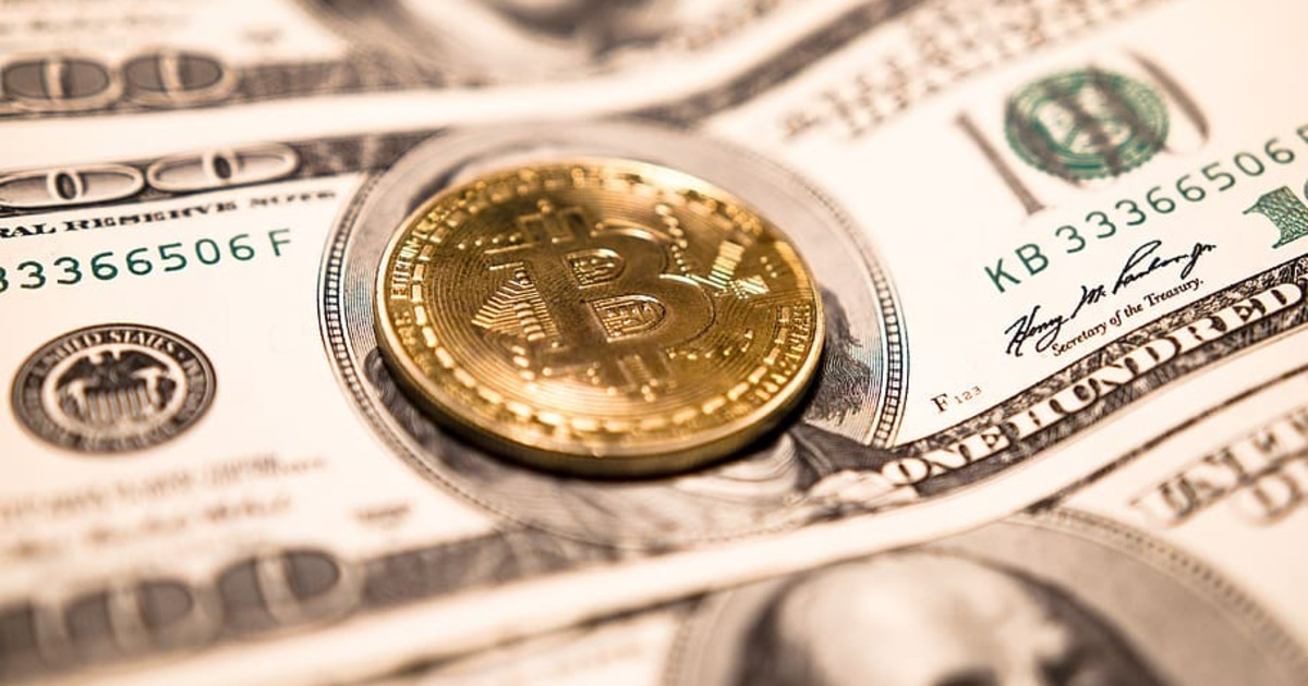 В США сравнили количество преступлений с использованием наличных и криптовалют