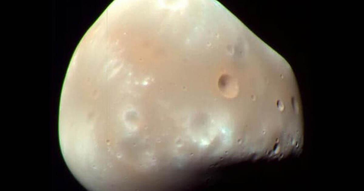 NASA показала видео с восходом планеты-спутника над поверхностью Марса
