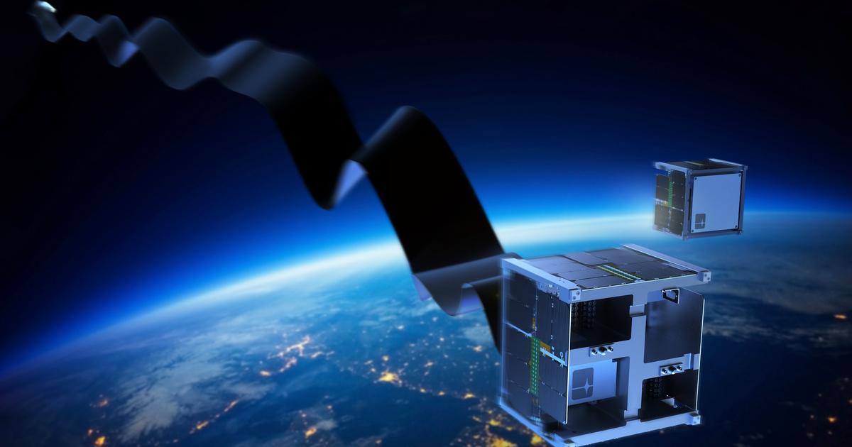 Неисправные спутники будут сталкивать с орбиты при помощи специальной ленты