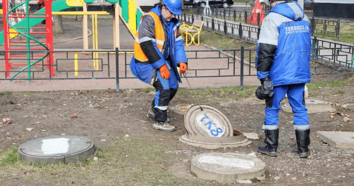 В Санкт-Петербурге заменили крышки канализации с металлических на пластиковые из-за постоянного воровства