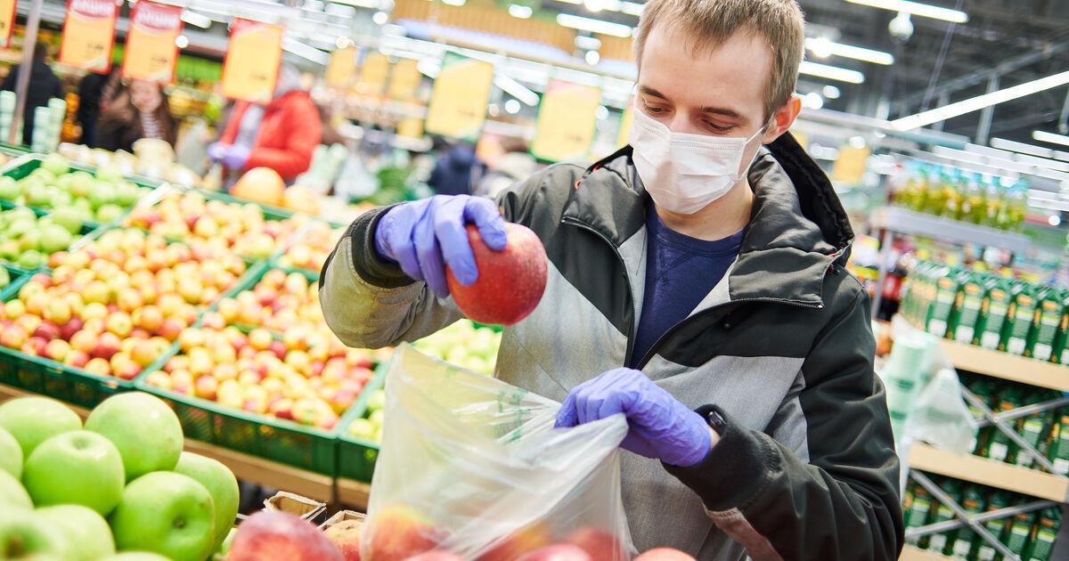 Россиянам назвали запрещённые перед вакциной от COVID-19 продукты