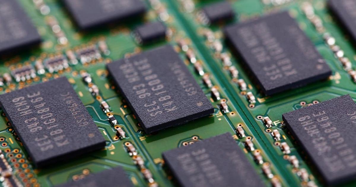 Эксперт объяснил, почему в смартфонах памяти оказывается всегда меньше, чем заявлено