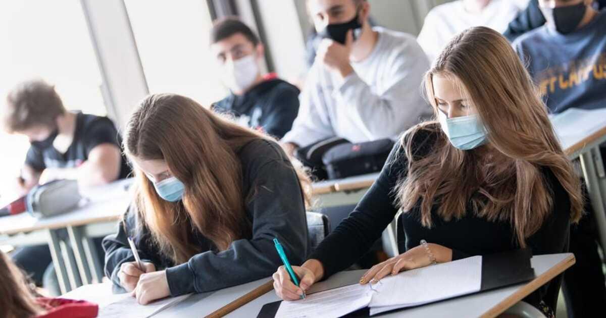 Российские медики дали советы по защите детей от коронавируса