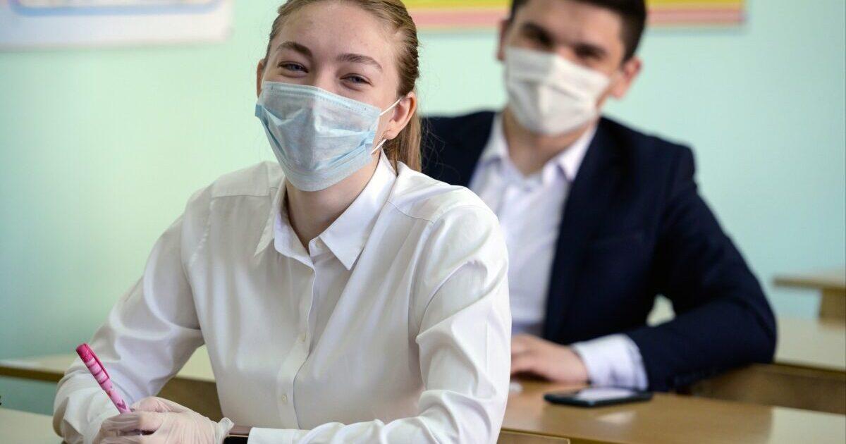 В Великобритании вакцинируют школьников против COVID-19