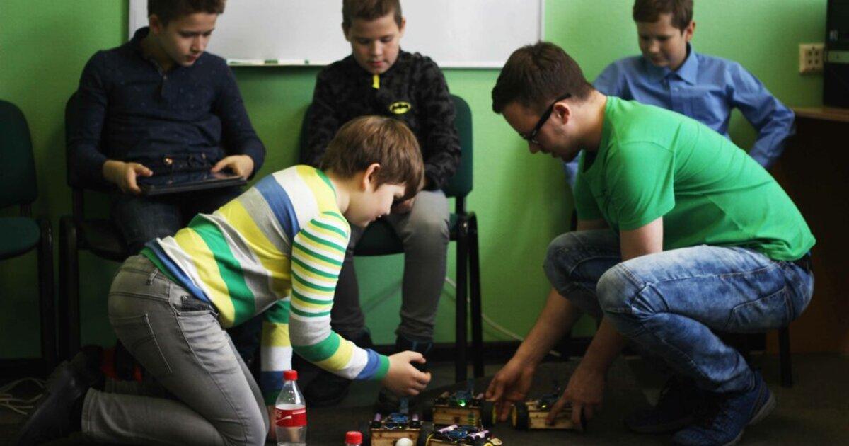 Правительство РФ призвало студентов учиться на операторов беспилотников и специалистов по робототехнике