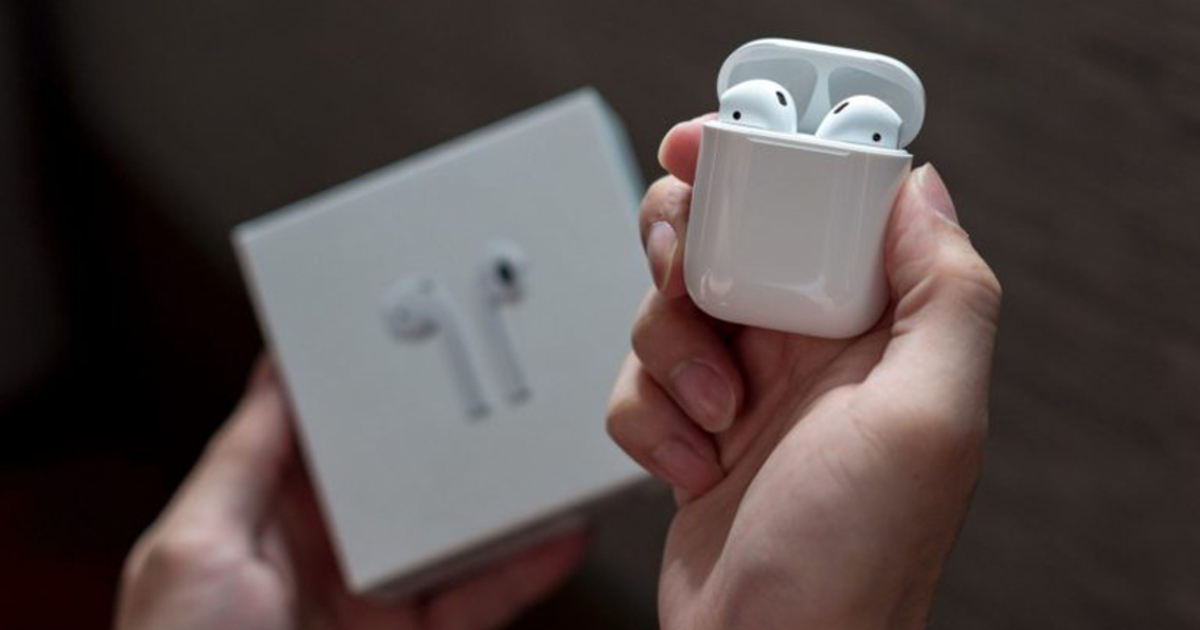 Беспроводные наушники Apple Airpods начали терять популярность