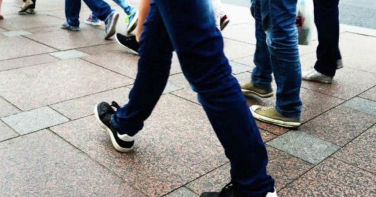 Учёные нашли способ вычислять недовольство людей по манере ходьбы
