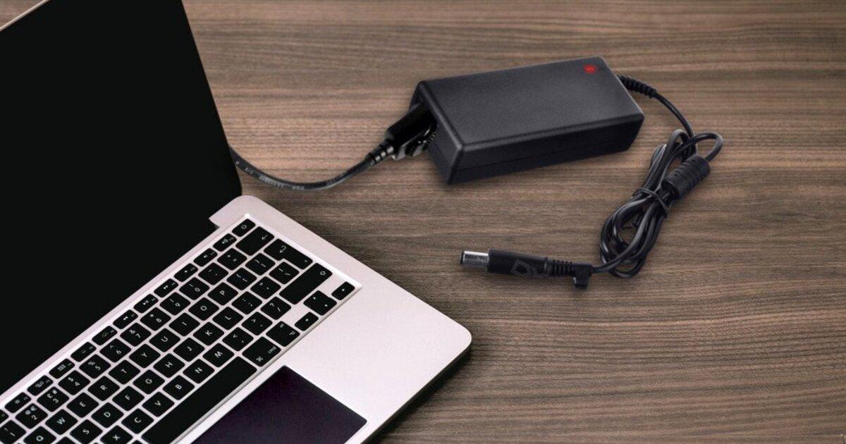 Безопасно ли пользоваться постоянно подключенным к сети ноутбуком