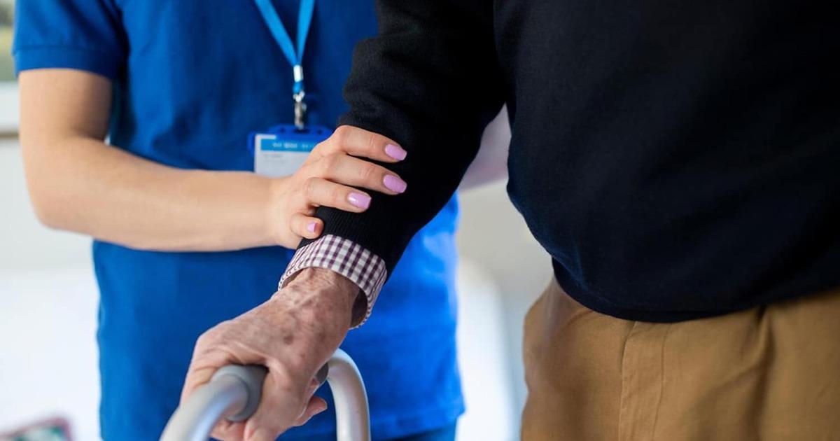 Перечислены 7 способов ходьбы, полезных для пациентов с болезнью Паркинсона