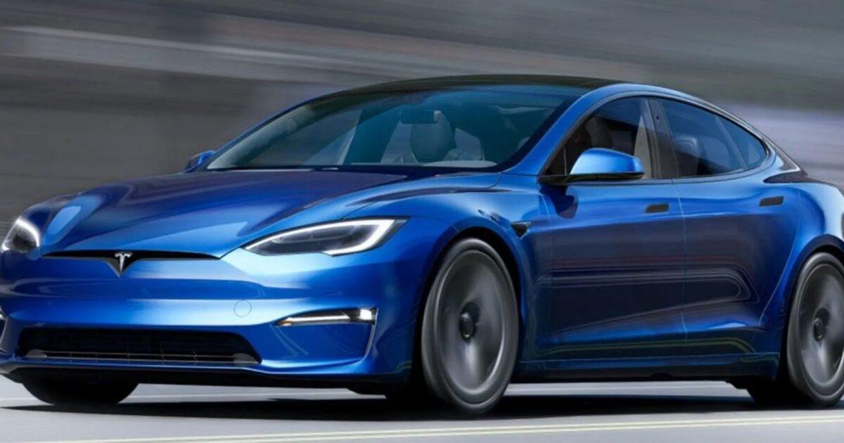 Новая Tesla поставила рекорд и официально стала самым быстрым автомобилем в мире