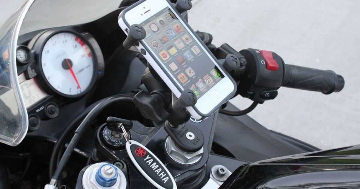 Apple: iPhone сломается, если возить его на рулевом креплении мотоцикла