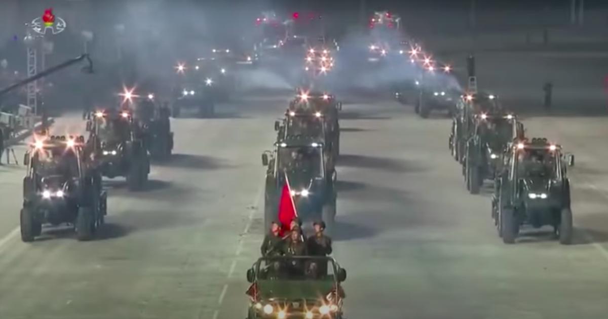 На видео попали северокорейские противотанковые тракторы