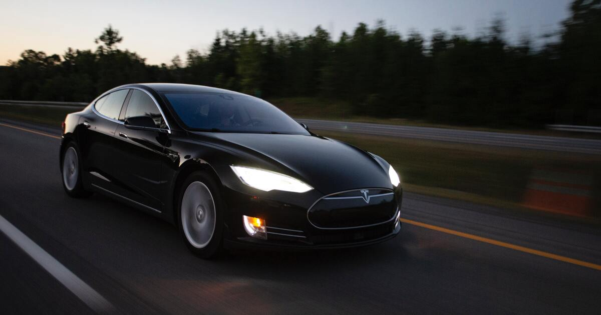 Tesla придумала лазерные дворники для автомобилей