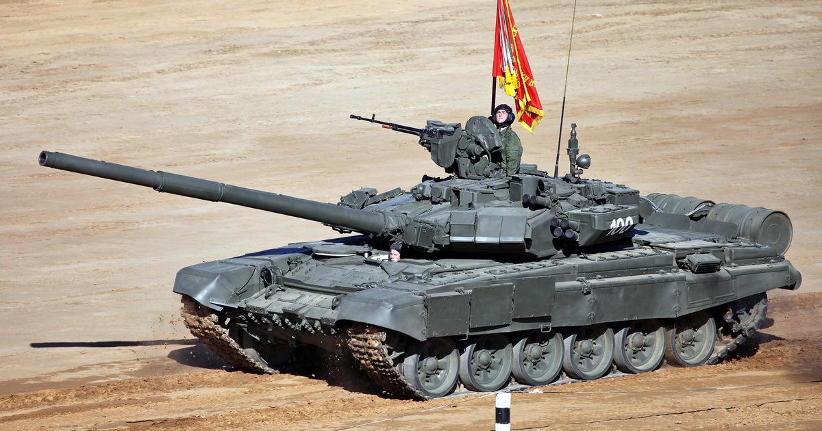 На видео попала ручная буксировка танка